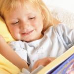 2歳児へ絵本を読み聞かせるコツ