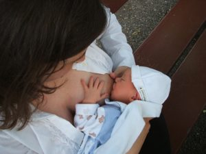 赤ちゃんのお世話の始まり
