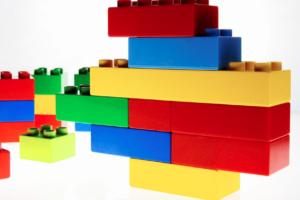 賢くなる知育玩具! レゴの2大効果をより高める遊び方[特に幼児におすすめ]