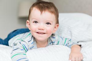 夜寝ない子供の寝かしつけの心理学的&医学的&伝統的ヒント【子育てに役立つ心理学】