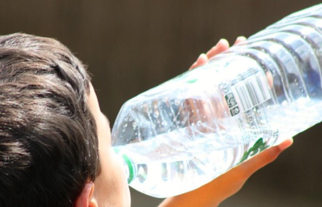 【夏バテ・熱中症対策】子供の予防緩和に「麦茶」を飲んでみたら意外な効果で大満足(幼児にもおすすめ)